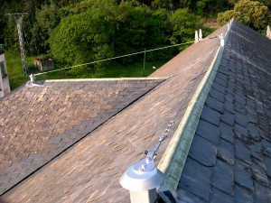 Linea-de-vida-tejado-300x225 Instalación de elementos de Seguridad