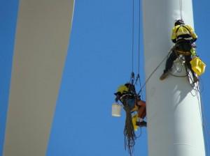 Cursos-GWO-Onshore-300x224 Trabajo en altura y rescate industrial